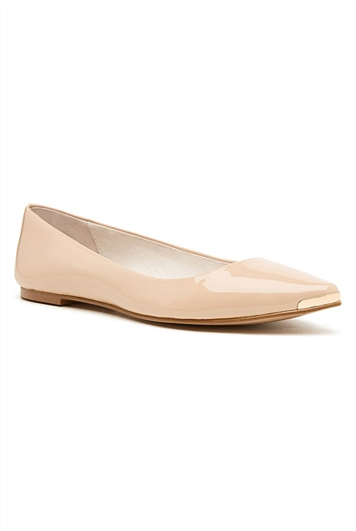 Witchery Pearl Pointed Flat