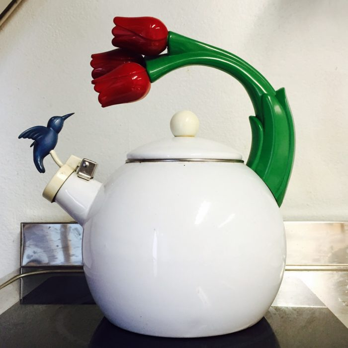 Airbnb tips - Milanese kettle!